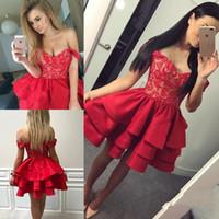 Kırmızı V Yaka Mini Kısa Mezuniyet Elbiseleri Dantel Fermuar Geri Küçük  Kısa Balo Parti Elbiseler Özel 1ff9c6f997f4