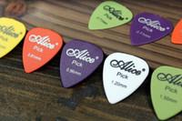 100 stücke Thin 0,58mm-1,20mm Akustische Elektrische Gitarre Picks musikinstrumente zubehör teile Plektren