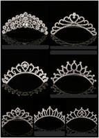 2021 Trendy 10 Stili Lovest Shining Rhinestone Crown Girls 'Bride Tiaderas Moda Corona Accessori da sposa per eventi di nozze