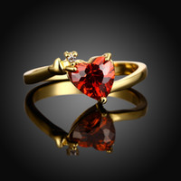 Hot Classic Classic a forma di cuore Ladies Ring 18K Gold Plated Red CZ Ring per le donne Wedding Engagement Ring Jewerly