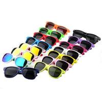 600pcs-17 Types de couleurs Femmes et hommes les plus bon marché Lunettes de soleil modernes de plage à chaud Vente de style classique Sunglasses Bo9804 Envoyer gratuitement DHL
