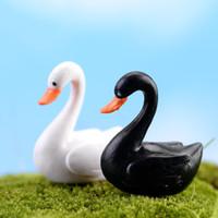 Carino Amore Bianco Nero Swan PVC artigianato Decorazioni Mini animale Decor Cartoon bambole Paesaggio Ornamento Fata Giardino Bonsai Pianta Accessori