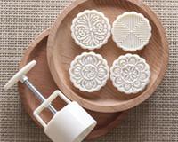 100g weiße Blume runde Form Patten Mond Backformen mit 4 Briefmarken Plastikhanddruck chinesischer Mondkuchenform, 20sets / lot