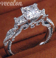 Vecalon Romantischer Weinlese-weiblicher Ring Drei-Stein simulierter Diamant Cz 925 Sterlingsilber-Verlobungs-Hochzeits-Bandring für Frauen