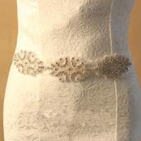 2016 Hohe Qualität Romatic Neue Sparkly Brautkleid Dekoration Gürtel liefert Strass Kristall Hochzeitszubehör Organza Schärpen für Bridal