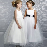 Hot New Fashion Flower Girl Dresses Weddings Child First Communion Dresses For Girls Dresses Princess Sleeveless Backless