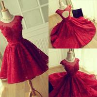 진짜 이미지 2020 크루 넥 레이스 짧은 홈 커밍 드레스 중공 다시 빨간 졸업 드레스 칵테일 드레스 사용자 정의 만든 댄스 파티 가운