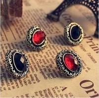 Vintage Lady Бронзовый Резные выдалбливают овальный серьги Красный / Черный Кристалл уха Стад Серьги Earing Ear Acc Для платья лета Jewellry
