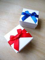 [بسيط سبعة] الصلبة سوار مربع أبيض / مهرجان قلادة حالة / قلادة كلاسيكي العرض / جميل حلق مربع / مجوهرات التعبئة مع bowknot