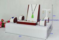 Showcase de madeira pintado vermelho do incounter do anel da exposição da jóia, suporte de exposição da colar, grupo do suporte dos brincos