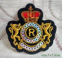 Heráldico Leões R Coroa Lantejoulas Decore o Ferro no remendo Bordado Presente camisa saco calças casaco Colete Individualidade