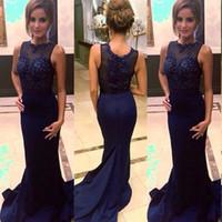 Populaire élégant bleu marine robes de soirée illusion cou bijou voir à travers des appliques de dentelle perlée robes de bal longue tenue équipée avec train
