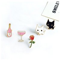 Vente en gros - 1pc Harajuku Alloy Enamel Pink Wine Glass Cup Bouteille Heart Hand Rose Cat Broche Badges Lapel Pins Safe Brooche Scarf Women Gifts
