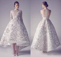 2016 High Neck Arabisch Abendkleider Rüschen Hallo-Lo Stickapplikationen Satin Prom Kleider mit langen Ärmeln Perlen Ashi Studio geraffte Kleider