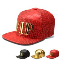 새로운 패션 남자 힙합 VIP 편지 야구 모자 가짜 PU 가죽 캐주얼 남여 야외 스트리트 모자 골드 / 블랙 Snapback