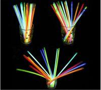 2016 Multi Couleur Glow Stick 20 cm Bracelet Néon LED Clignotant bâtons avec connecteur parti Concert Vocal utiliser Flash lueur Bâtons 1000pcs