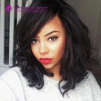 Short Bob Wavy Cheveux humains Front Lace Wigs With Side Bangs pour Black Women 100% sans traitement brésilien Full Lace Bob Body Wave Wig