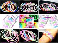 여자를위한 Hotsale 50pcs / lot 혼합 색깔 실리콘 고무 탄성 팔찌 팔찌 Hairband 여자 보석 밤 빛 특징을 % s