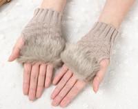Les femmes Fille Tricoté Faux Gants en fourrure de lapin mitaines Arm hiver Longueur extérieur chaudes Gants Fingerless cadeaux de Noël colorés 2016