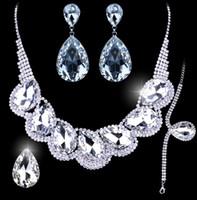 Yeni Parlak Lüks Gelin Takı Setleri Kristal Düğün Taç Küpe Kolye Tiaras yüzük bilezik Aksesuarları Moda Headdress HT108