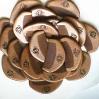 부띠크 마호가니 빗 나무 빗 나무 공예품 제조 업체 마호가니 미니 빗 머리 제품을 판매하는