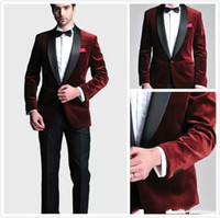 Bordeaux Velours Slim Fit Groom Tuxedos Costumes De Mariage Custom Made Groomsmen Meilleur Homme Costumes De Bal Pantalon Noir Deux Pièces