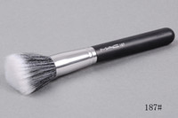HOT NEW Makeup 187 Blush Brush + هدية مجانية 200pc