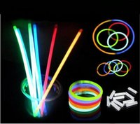2016 Многоцветный Glow Stick 20 см Браслет Неоновый LED Мигающий свет палочки с разъемом партии Вокальный Концерт использовать Flash светящиеся палочки
