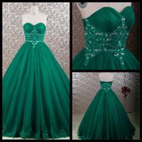 Modest 2016 Esmeralda Verde Querida Strapless Princesa Vestido De Baile Tule Vestido Quinceanera Com Frisado Lace Applique Doce 16 Vestido