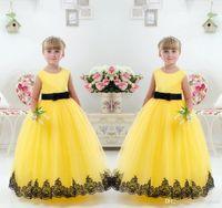 Linda princesa amarela vestidos de baile com mangas curtas tripulação pescoço saia puffy lace apliques flor meninas pageant vestidos