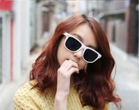 A maioria das mulheres baratas / homens praia cantada Lente de plástico estilo clássico óculos de sol Eyewear