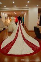 2019 Vintage White and Red Satin A Line Suknie Ślubne Bez Ramiączek Kaplica Train Lace Up Plus Size Church Bridal Party Włóż Vestidos De Novia