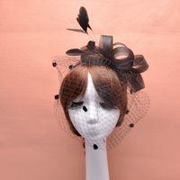 Feather Fascinator Accesorios para el cabello Pájaro nupcial Birdcage Velo Sombrero Sombreros y fascinadores Barato Feminino Cabelo 4 colores