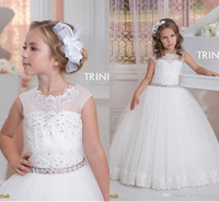 2016 Cap Sleeve Cristalli Lace Tulle Flower Girl Abiti Vintage Pageant Abiti da sposa Beautiful Flower Girl Abiti da sposa F09