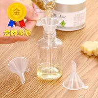 100 قطع البلاستيك البسيطة الصغيرة قمع للعطور السائل الضروري النفط ملء زجاجة فارغة التعبئة أداة مجانية