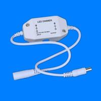 Toptan Satış - Toptan-DC12 / 24V 1 Kanal 2A Inline PWM DC konektörü, Siyah / beyaz CE ve RoHS ile LED Şeritler için Dimmer switch controller açtı