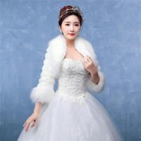 Gros manteau pour manteau de mariage d'hiver Bridal Fur châle blanc manches longues mariées