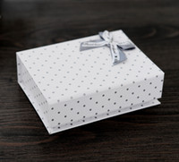 [Simple Seven] Retail Box Gray Dot White Box Box for Jewelry، Bracelet Bracelet with Bow، Classic Necklace Flip Top Box