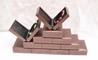 Grandes ventas de moda envío gratuito venta al por mayor 12 unids marrón joyería brazalete pulsera cajas de plástico de calidad caja de regalo pachage caja de regalo