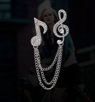 Elegante cadena de la borla Nota de la música Broche de cristal Joyería de moda Broche de diamantes de imitación de plata Broches para regalo Unisex Jewelry Lot 12Pcs