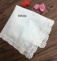 12 Moda Düğün Gelin Mendiller Beyaz% 100 Pamuk Handkerchief Bayanlar Hankie Mükemmel tığ dantel Hakies 12x12 inçlik Set