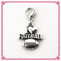 Venta caliente 50 unids / lote amo el fútbol cuelga los encantos diy braceletsbangles accesorio de la joyería encantos del deporte encanto del broche de langosta