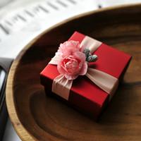 Pembe Gül Ile 10 Adet Zarif Kırmızı Şeker Kutusu Düğün Hediye Favor Kutuları veya Pembe Renk Kutusu
