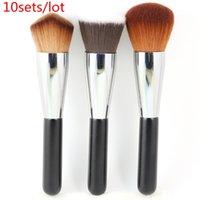 Wholesale 10sets / Lot Professionnel Kabuki Brosses Ensemble 3pcs Brosses polyvalentes rondes + Double Wedge + Outils de maquillage plat