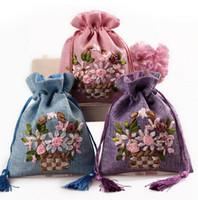 Gratis schip 20 stks handmade13 * 17cm bloem borduurbrocade brocart tas linnen zak sieraden tassen snoep kralen tassen bruiloft cadeau tassen