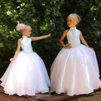 Prickelnde Mädchen-Festzug-Kleid Neckholder ärmellos Crystals Embellishmeant Puffy bodenlangen Kinder Formal Wear für Party nach Maß