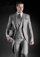 Alta Qualidade De Manhã Casaco Luz Cinza Do Noivo Smoking Pico Lapela Padrinhos Homens Melhor Homem Casamento Mens Blazer Ternos (Jacket + Pants + Vest)