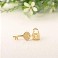 Der neueste Trend Minimalismus Edelstahl Schmuck aus Gold und Silber lieben kleine Schloss und Schlüssel zu Ihrem Herz Ohrringe sind Frauen