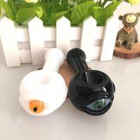 Mais novo design tubulação de vidro inebriante fumed vidro fumar tubulação branca e preto grande olho de tinta dicroica tubos de mão colher tubulação