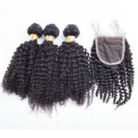 Sıcak satmak kinky kıvırcık pazar İnsan saç 3 demetleri ile tek parça 4 * 4 dantel kapatma bir paket perulu insan saç örgüleri ile kapatma